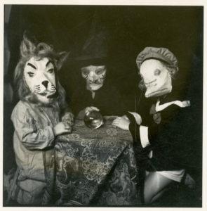 Foto antigua de una celebracion de Halloween